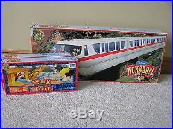 2000 Walt Disney Monorail Playset Theme Park Exclusive with Extra Track WORKS