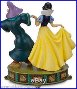 Art of Disney Snow White Dopey Sneezy Princess Figure Theme Parks New