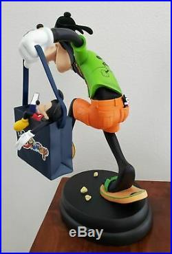 Art of Disney Theme Parks Goofy Tourist Big Fig Statue Randy Noble Figurine RARE