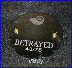 Betrayed Disney Fantasy Pin LE 43/75 HTF Ariel Vanessa Prince Eric Mermaid Rare