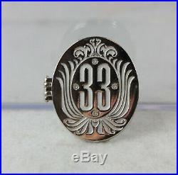 Disney DLR Club 33 LE 650 Pin Members Only Hinged Locket Walt