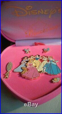 Disney DLR Pink Velvet Heart Princesses 5 Pin Box Set