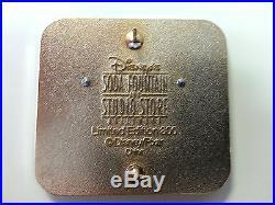 Disney DSF Wall-E Wall-E Swivel Eyes Pin LE300