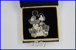 Disney Disneyland Club 33 Tuxedo Mickey Mouse Bow Tie Boxed LE Pin