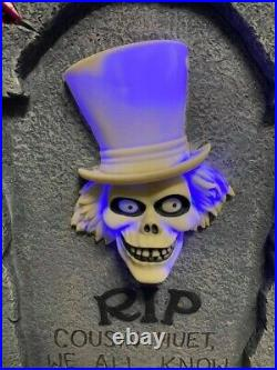 Disney Haunted Mansion EZRA HITCHHIKING GHOST light up tombstone decoration