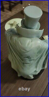 Disney Haunted Mansion Hatbox Ghost Statue Theme Park Costa Alavesos LTD 300 Pcs