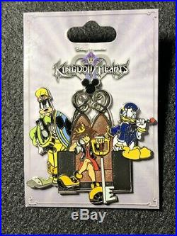 Disney Hot Topic Kingdom Hearts Goofy Sora Donald Pin 74535