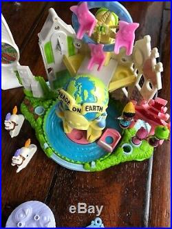 Disney Theme Parks SHOWTIME CELEBRATION PLAYSET Hasbro 2002 Magic Kingdom Lot