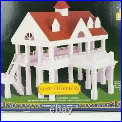 Disney's Theme Park Collection GRAND FLORIDIAN Resort Spa Monorail Accessory