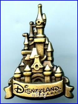 Disneyland Paris Senior Executive Cast Management Castle Pin (RARE)