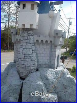 Giant Fiberglass Castle+Flatbed Trailer-Theme Park, Retail, Display, Disney