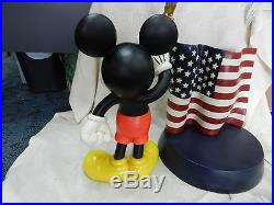 LARGE RARE Disney Theme Parks Exclusive Mickey Mouse American Flag Statue #1579