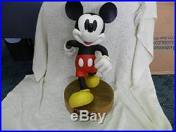 LARGE RARE RETIRED Disney Theme Parks Exclusive Mickey Mouse Statue #1580