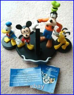 LE New WALT DISNEY WORLD YR. 2000 MICKEY MOUSE MULTI-CHARACTERS WATCH + DISPLAY