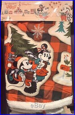 Mickey & Minnie Tree Skirt Yuletide Farmhouse Christmas Disney Theme Parks NEW