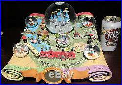 RARE Disney 50th Anniversary DisneyLand Theme Parks Castle Snowglobe Water Dome