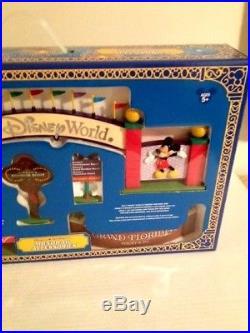 WDW Walt Disney World Theme Park Exclusive Monorail Playset Resort Sign Set MIB