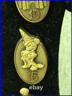 Walt Disney CAST MEMBER serivce anniversary pin set year 1-30