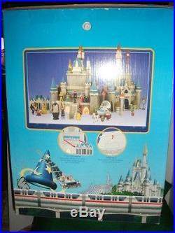 Walt Disney Cinderella Castle Playset-Theme Park Edition Preowned With Box